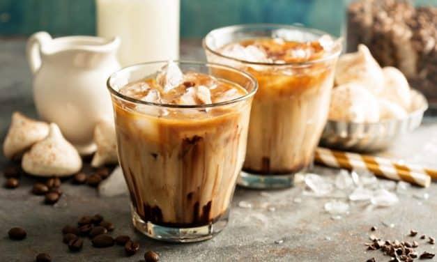4 Recettes simples et rafraîchissantes de café glacé au CBD